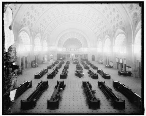 Union Station's main hall, circa 1921.