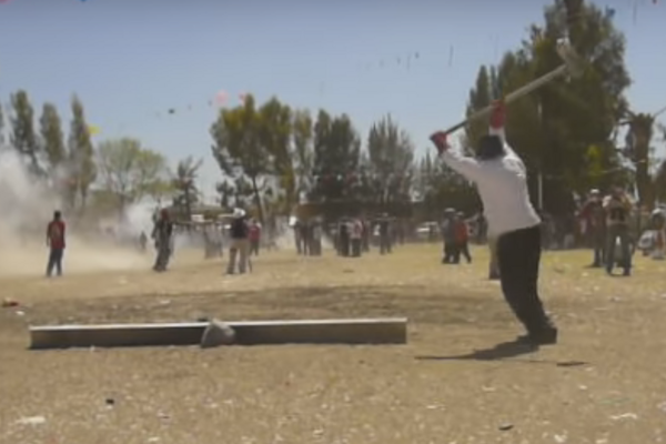 Video Wonder: Exploding Hammers