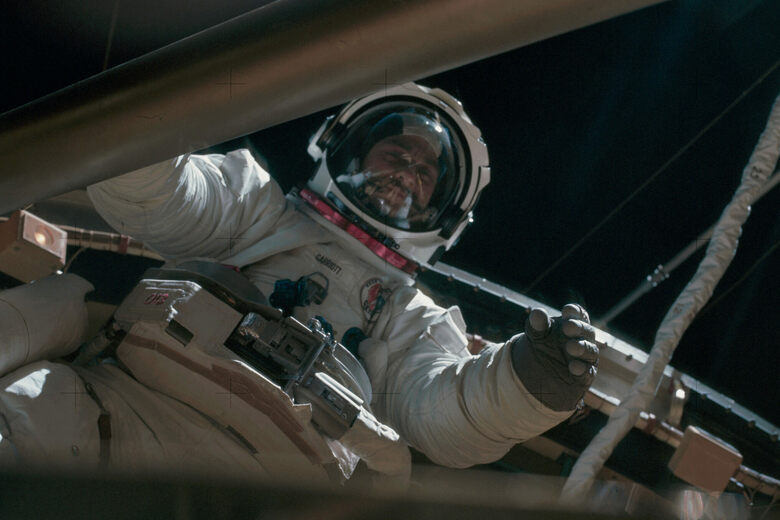 Watch Astronauts From the 1970s Geek Out With Gyroscopes