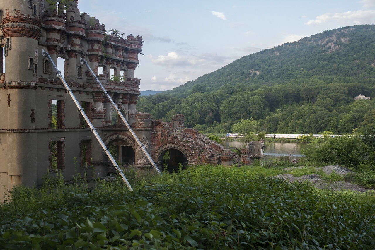 Bannerman Castle, shot from the ground. All photos by James Sprankle.