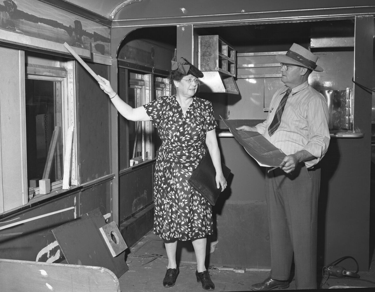 Olive Wetzel Dennis in 1947, making some suggestions on how to improve a new Baltimore and Ohio Railroad buffet car.
