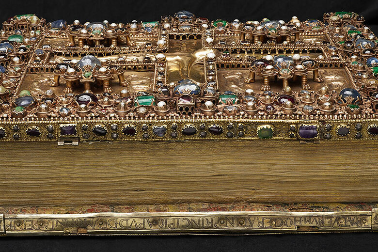 See the Most Luxurious Medieval Manuscripts in Existence