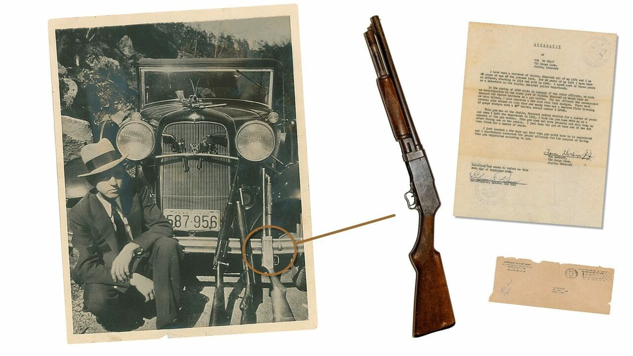 The sawed-off shotgun, collected from Bonnie and Clyde's hideout.