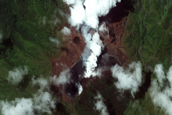 Trying to Understand a Volcano's Jekyll-and-Hyde Eruptions