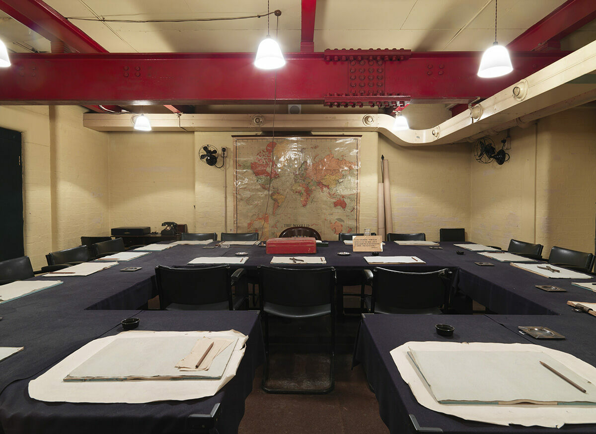Inside churchill 39 s secret subterranean wwii bunker in london atlas obscura - Churchill war cabinet rooms ...