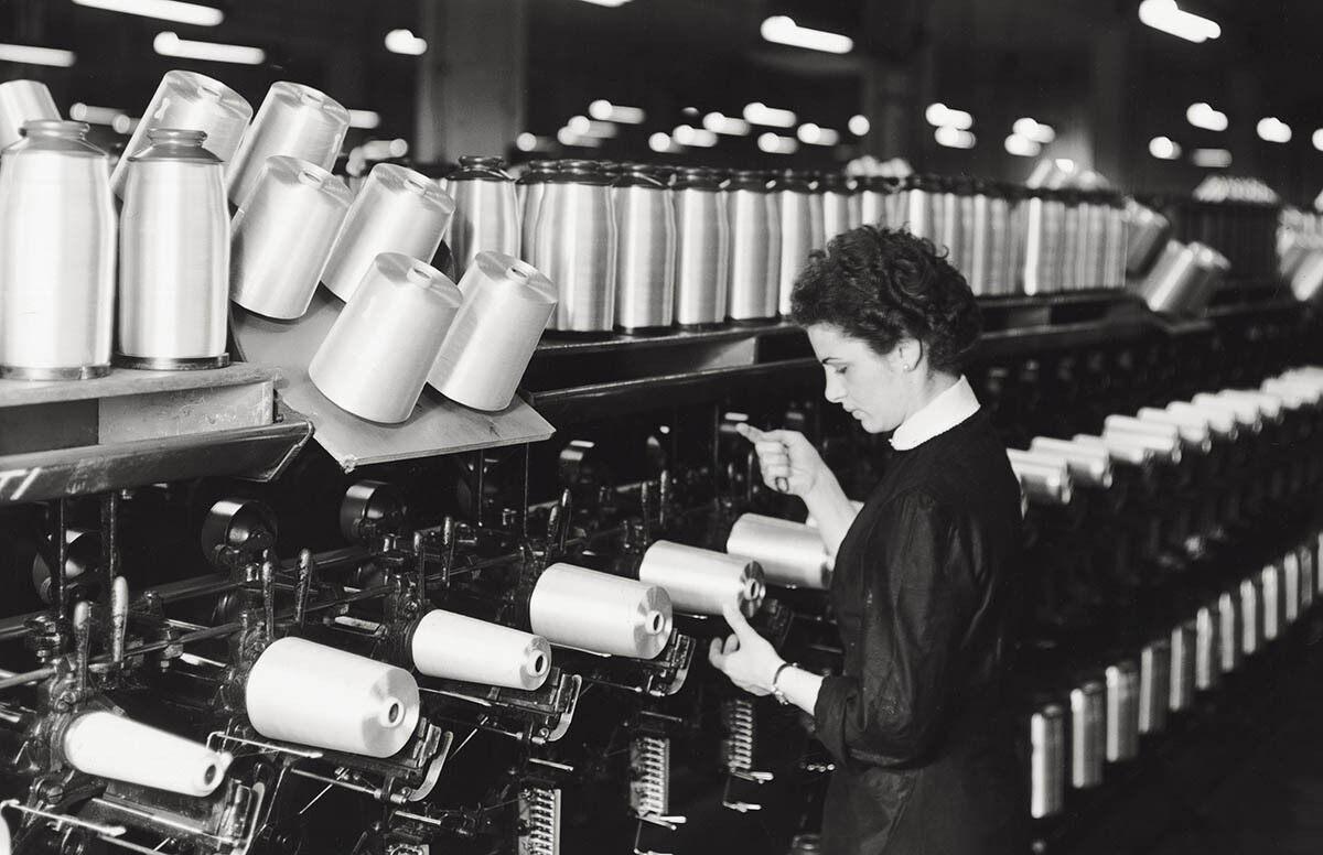 Worker at SNIA Viscosa, 1953
