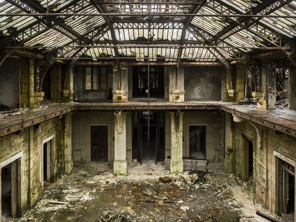 Italian Food Near Me Abandone Building Casa: Haunting Photos Of Europe's Abandoned Buildings, From