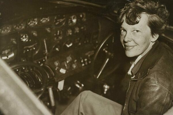 the theory behind the disappearance of amelia earhart
