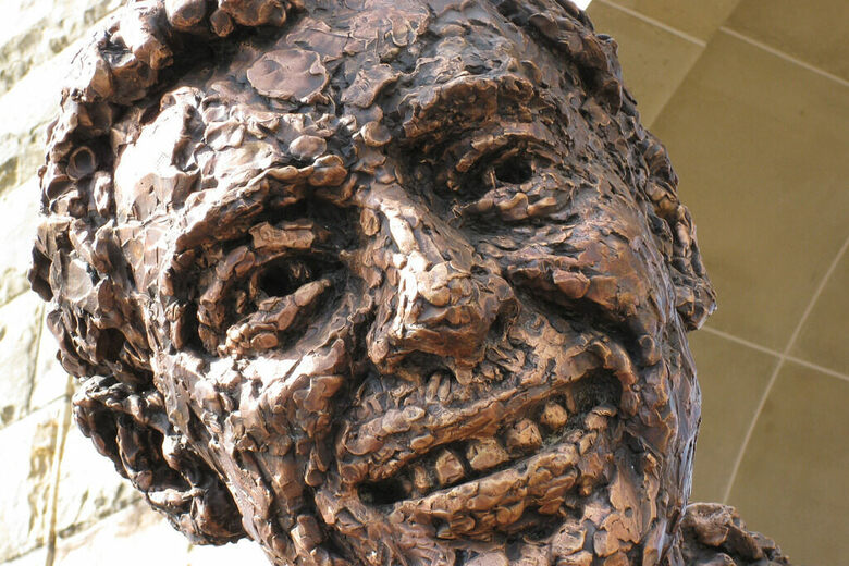 21 of the World's Most Delightful Bronze Statues