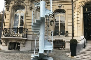 The spiral staircase, waiting for its next home.
