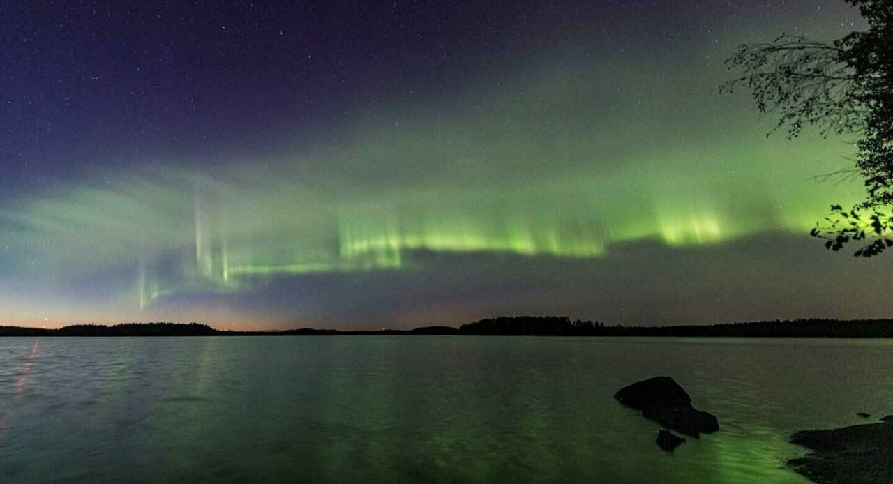 "How Finnish Skywatchers Discovered a Strange ""New"" Aurora"