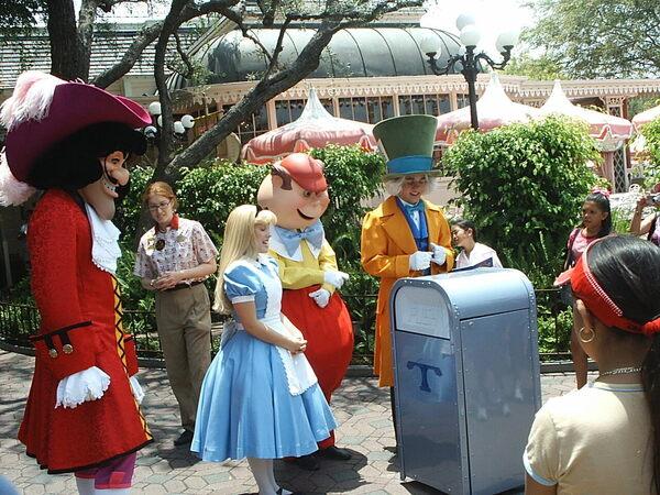 Object of Intrigue: Disneyland's Flirty, Talking Trash Can