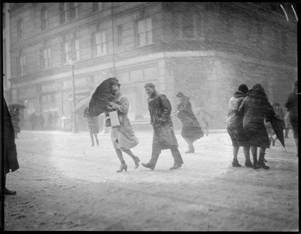 Old Photographs Of Blizzards Show The Eternal Misery And