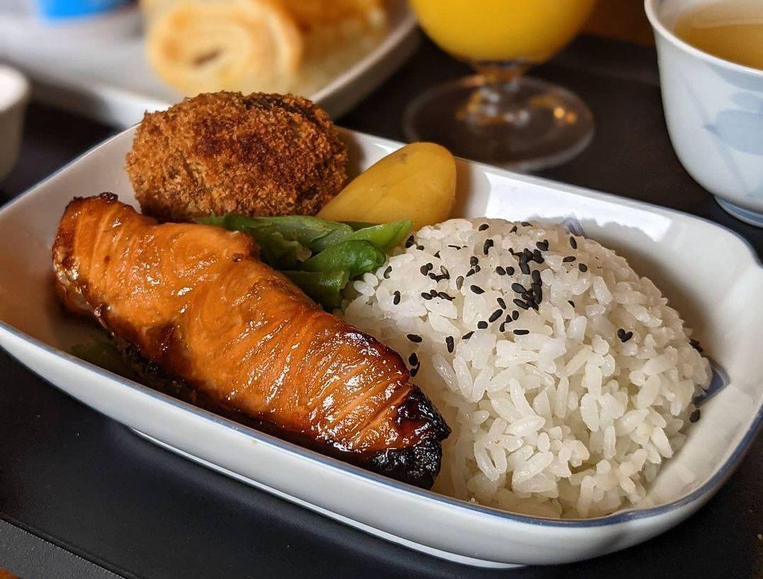 Sennhauser plated this Japanese breakfast on his set of vintage Japan Airlines dishware.
