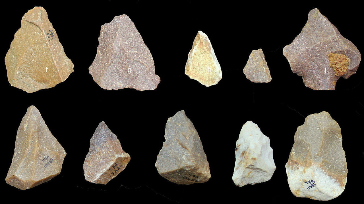These Paleolithic stone tools date back hundreds of thousands of years and were excavated at Attirampakkam, in southern India. Sendrayanpalayam, another groundbreaking site, is not far away.