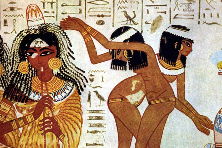 Researchers Concocted an Ancient Egyptian Perfume Perhaps Worn by Cleopatra