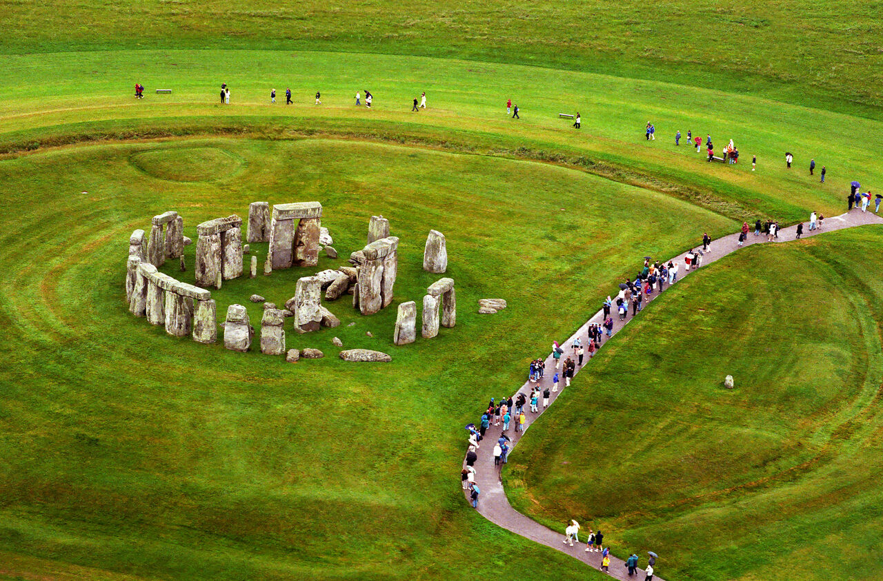 Does the Mystery of Stonehenge Involve Pig Fat? - Atlas Obscura