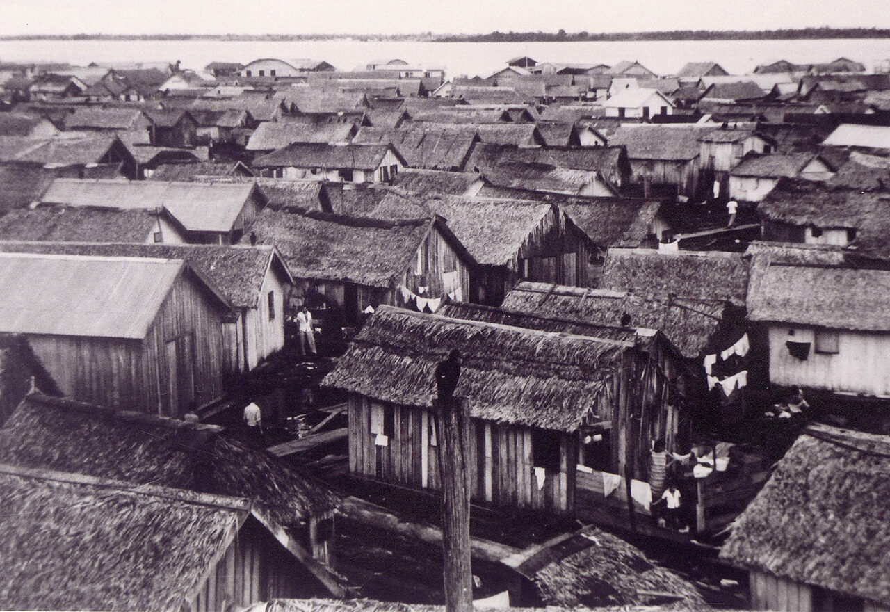 "Houses of the ""Floating City,"" located in front of the city of Manaus, on the Rio Negro, in the 1960s."