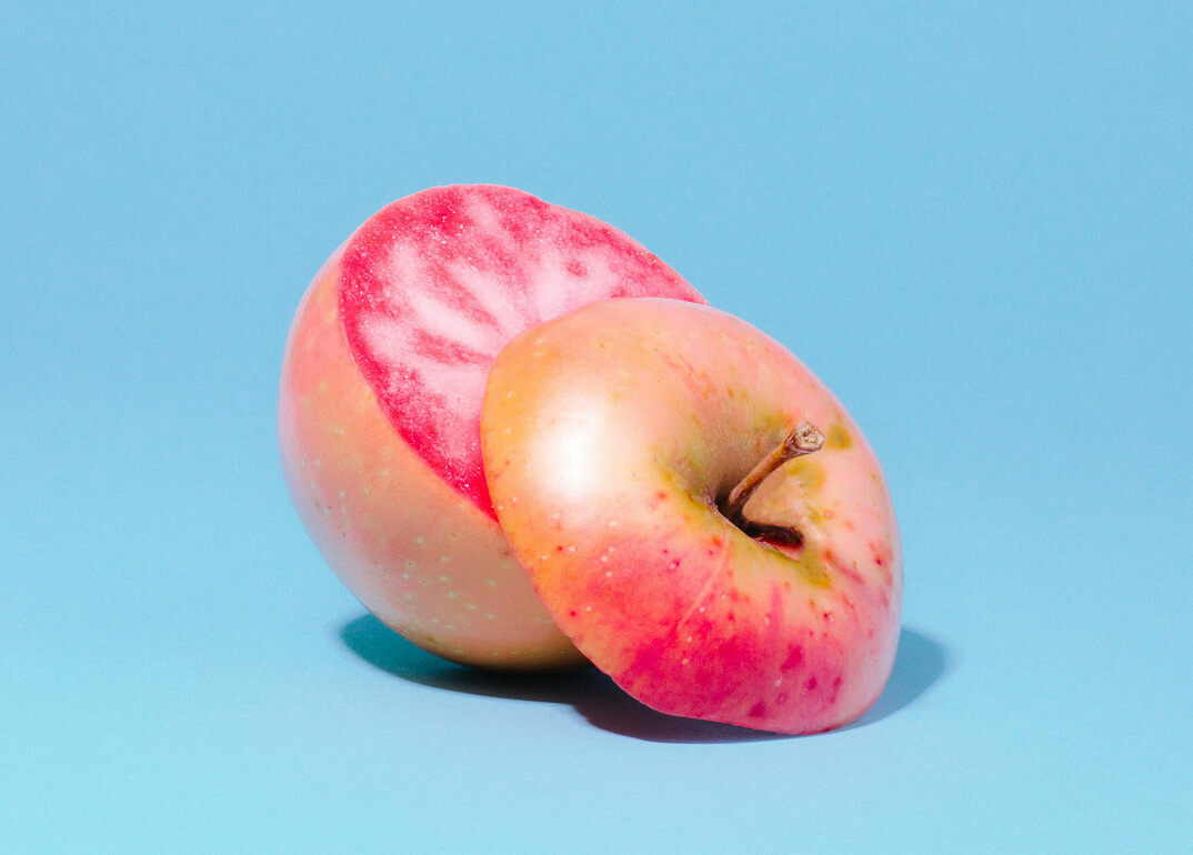 The Pink Pearl apple, seen from the top.