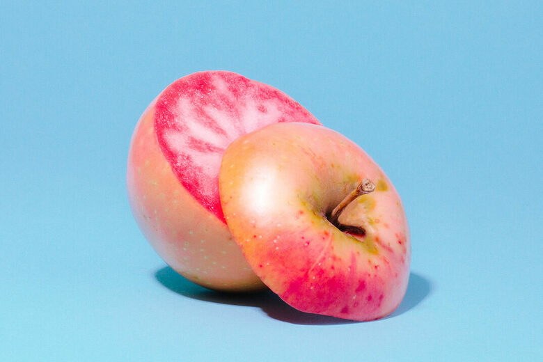 Around the World in Rare and Beautiful Apples