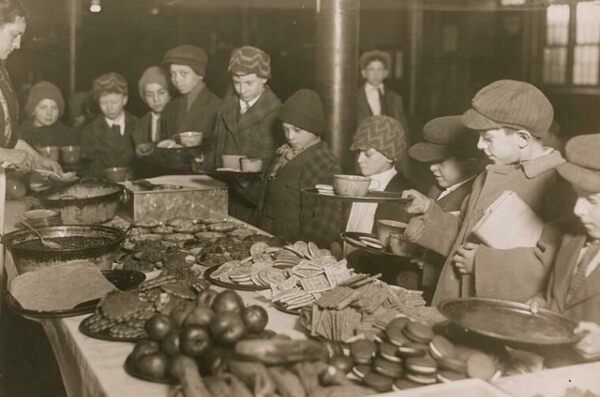 American School Lunch Is Becoming More Diverse, Like It Was in the 1910s