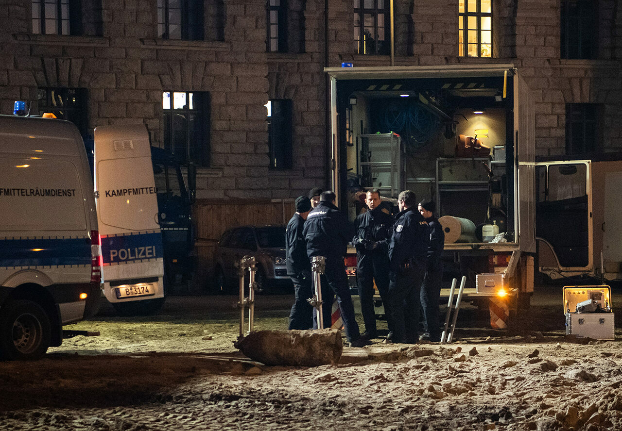 German authorities with a 500-pound bomb discovered during construction work. Such discoveries are regular occurrences in cities that were bombed during World War II.
