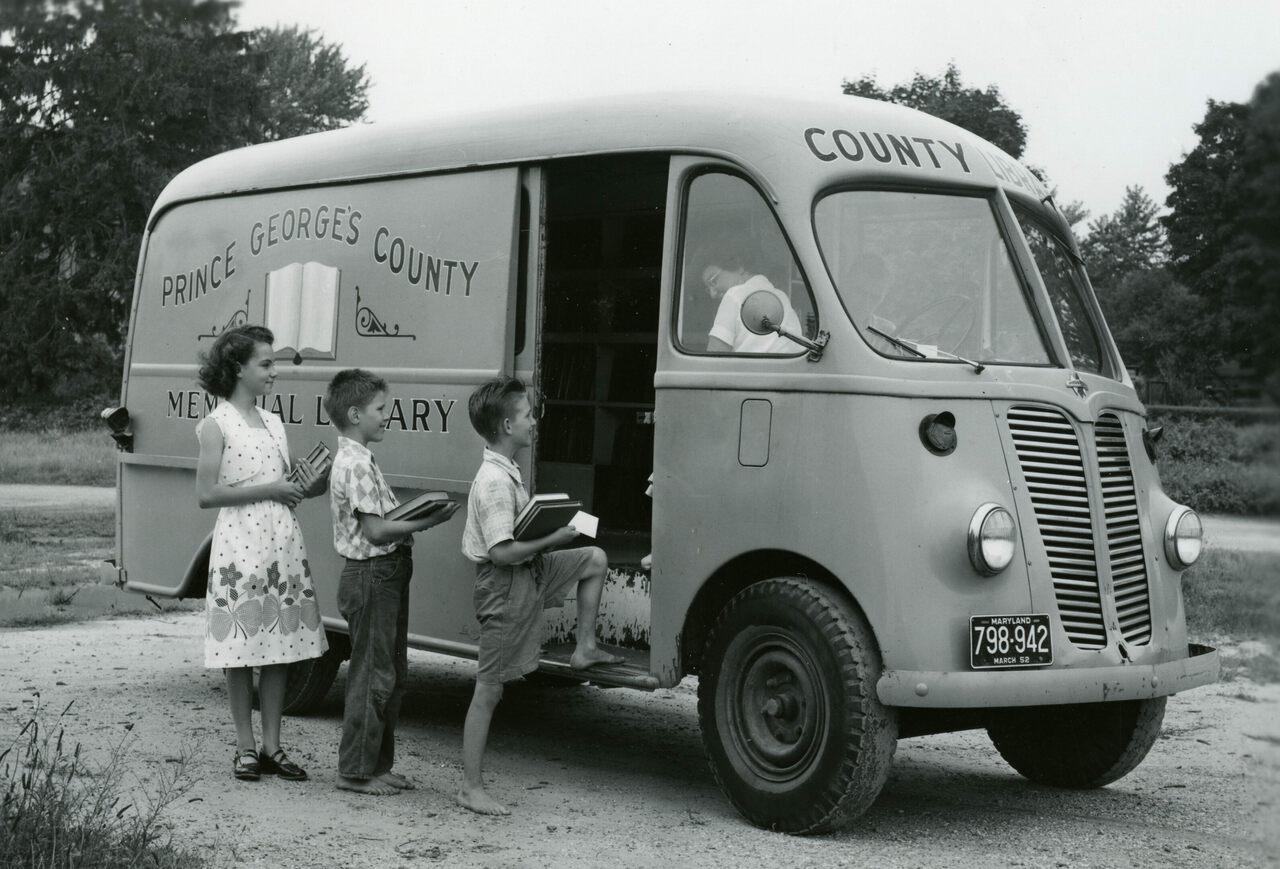 Vintage Photos of Traveling Libraries