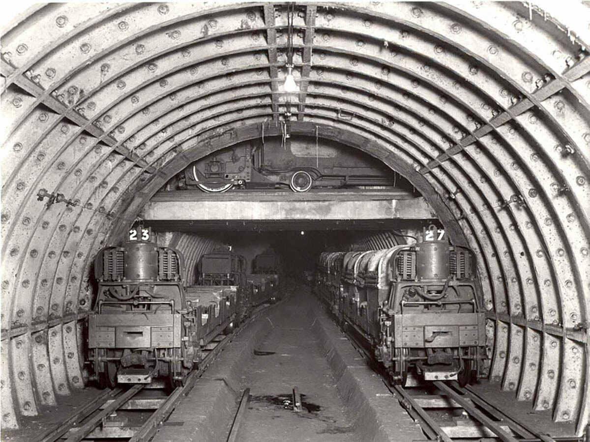 See London's Underground 'Mail Rail,' Then and Now