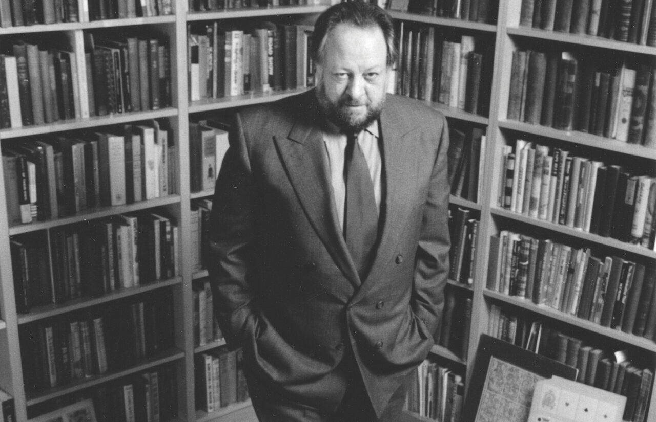 Ricky Jay in his library.
