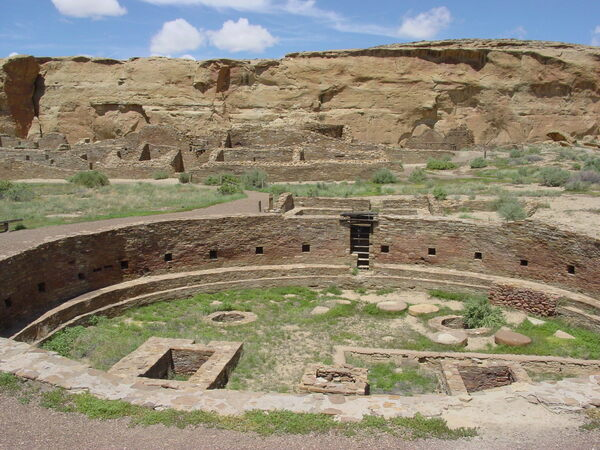 Ancient Fingerprints Help Unravel Just Who Was Making Pots at Chaco Canyon