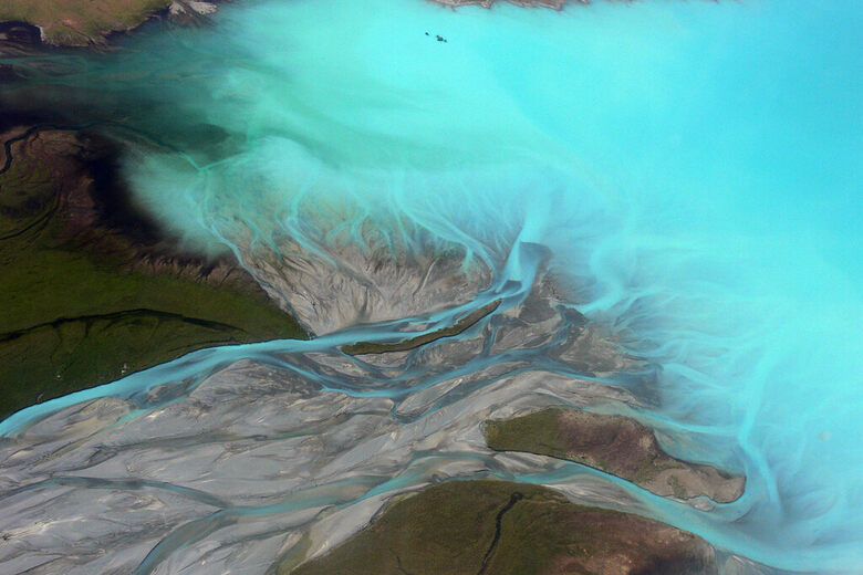 No HDR Needed: Why Some Lakes Are an Otherworldly Blue