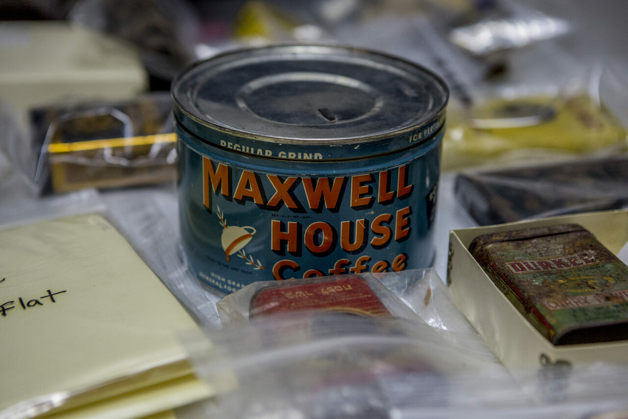 Mass-produced foodstuffs, such as ground coffee and curry powder, came in tins.