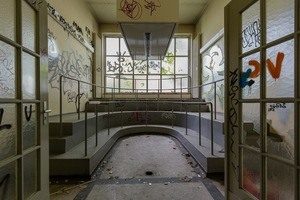 Five of Berlin's Hidden Ruins, From Anatomical Institutes to Underground Bunkers