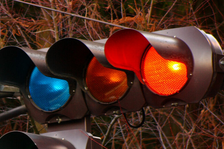 According To Japanese Traffic Lights Bleen Means Go Atlas Obscura