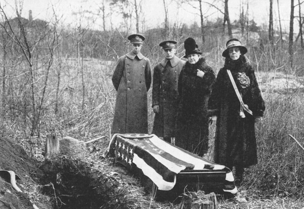 In 1926, the Daughters of the American Revolution joined forces with the U.S. Military Academy to exhume the supposed burial site of Margaret Corbin.