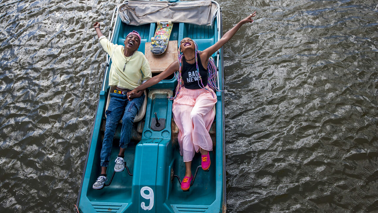 A still from Wanuri Kahiu's <em>Rafiki</em>.