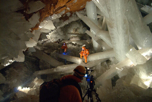 Giant Crystals of Naica – Naica, Mexico - Atlas Obscura Quartz Crystal Cave