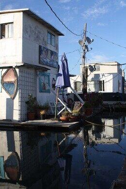 Gates Co-op Houseboat Community – Sausalito, California