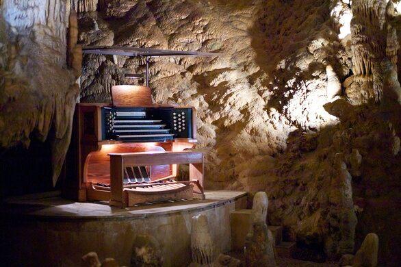 The Great Stalacpipe Organ – Luray, Virginia - Atlas Obscura