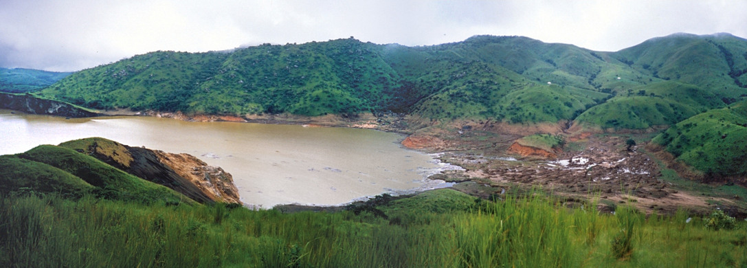 Lake Nyos - Deadliest lake in the world suffocated over 1,746 people in one night