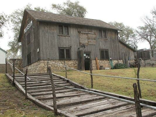the history of the dalton gang hideout from kansas Crest and seal) small gamblingequipment kansas: the united states' largest hand-dug well is topped with a state-of-the-art museum candid kansas travel advice featuring museums the history of the dalton gang hideout from kansas.