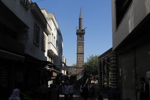 Approaching the average-seeming minaret from a distance