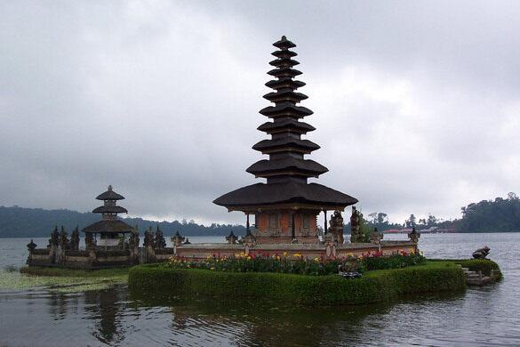 Alasan Mengapa Anda Harus Liburan Di Indonesia Saja ! #IniIndonesiaku