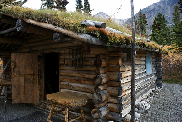 Proenneke 39 s cabin lake and peninsula alaska atlas obscura for Cabin builders alaska