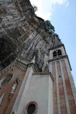 Santuario madonna della corona ferrara di monte baldo for Santuario madonna della corona