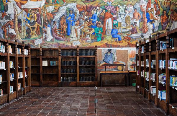 Gertrudis Bocanegra Public Library