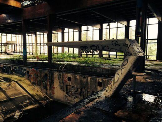 Ruins of Grossinger's Resort – Liberty, New York - Atlas Obscura