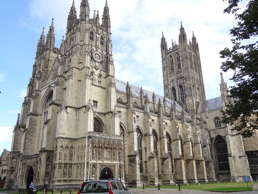 the great cloister and chapter house of canterbury cathedral