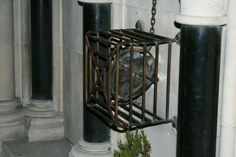 Oddities of Christ Church Cathedral – Dublin, Ireland