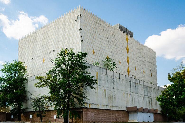 Abundant Life Building – Tulsa, Oklahoma - Atlas Obscura